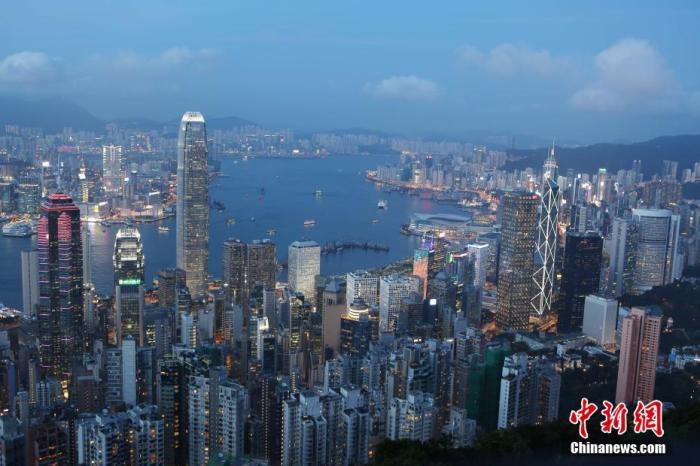 香港统计处:去年5至6月雇员每月工资中位数18200港元