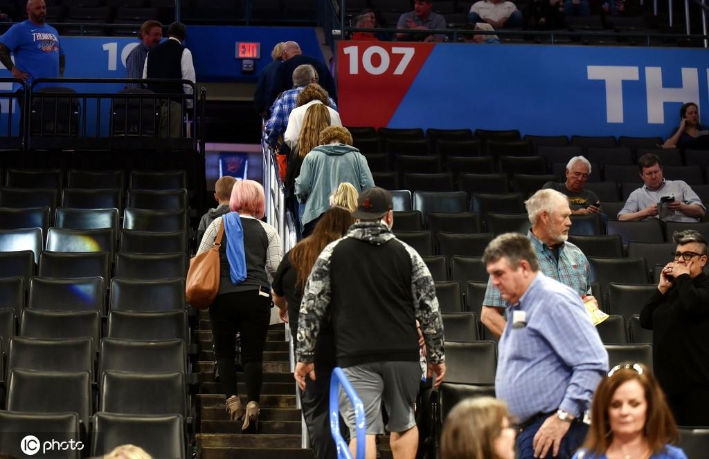 名记:因社交隔离潜在影响 NBA复赛至少拖到7月