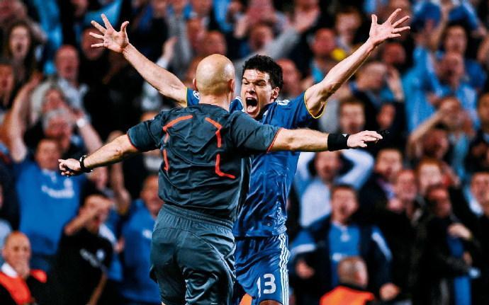 原创             今晚!CCTV5准时直播天下足球,豪门恩怨系列巴塞罗那PK切尔西