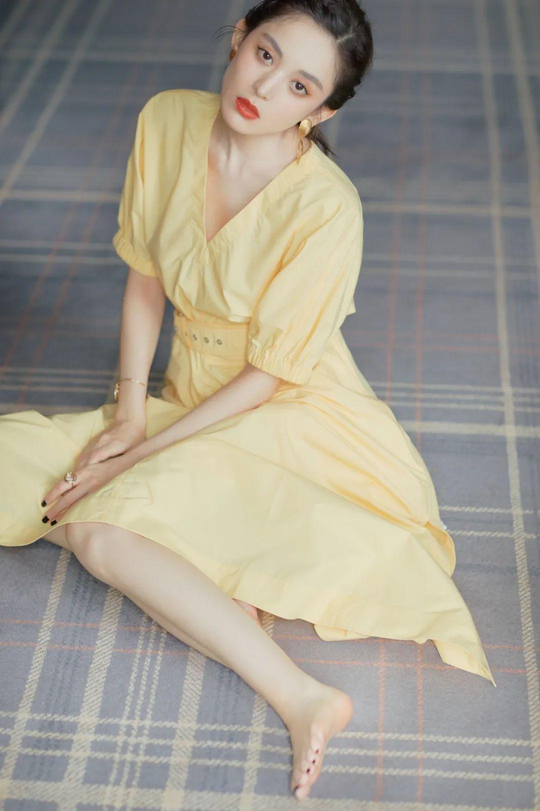 淡黄长裙穿搭大赛