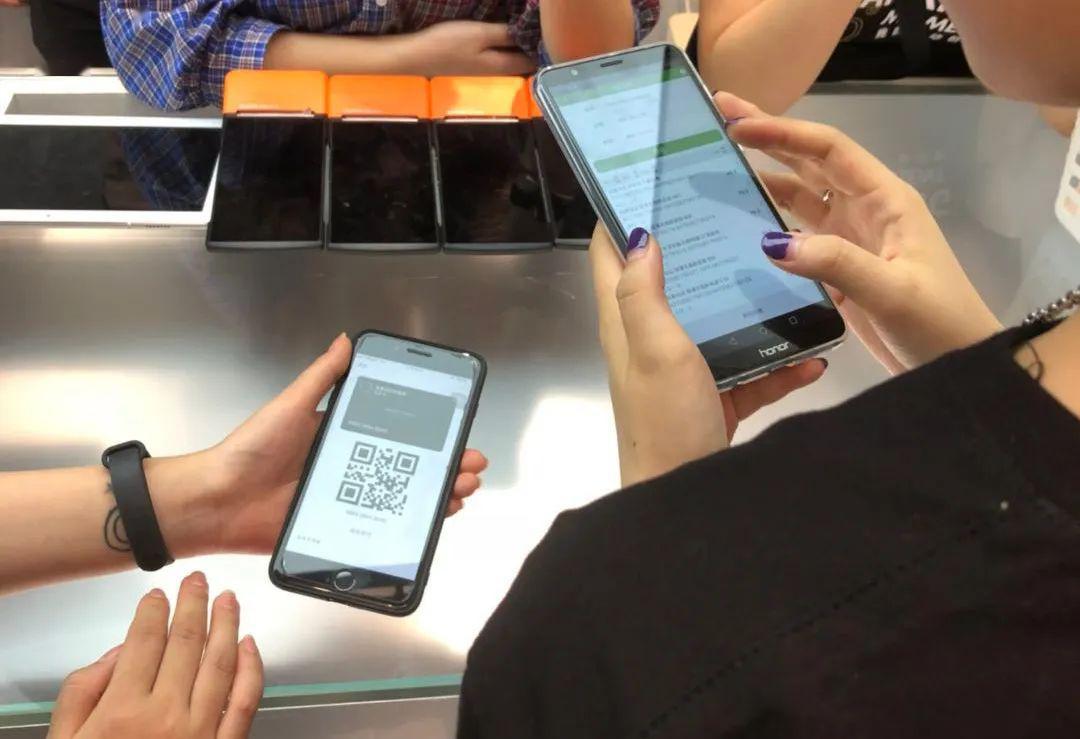 杨刚:美妆新零售的未来一定是超级数字门店 | 亿欧专访