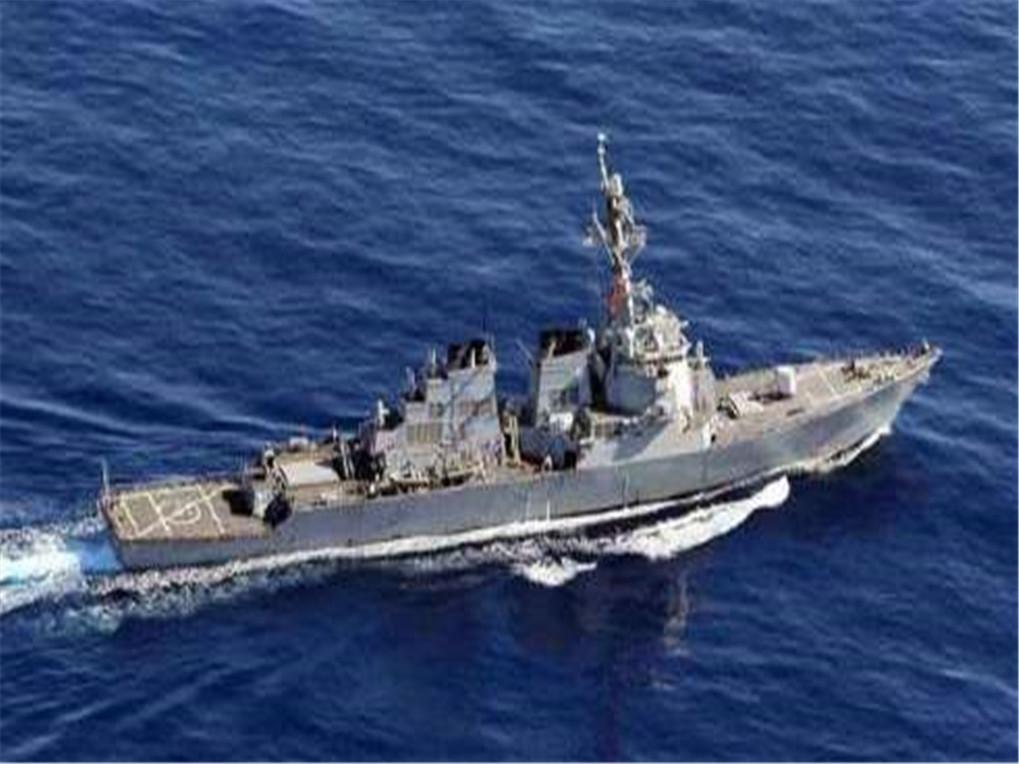 隐身战舰地中海亮剑,大批导弹朝海上目标开火,警告美军不要轻举妄动