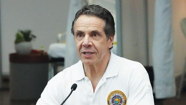 特朗普拿纽约州长高支持率邀功 科莫回应:不会上你的钩
