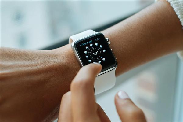 苹果多款新品正在研发中 / Apple Watch 或将采用全新机身材料 / 东京奥运会延期举办时间官宣