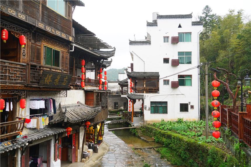 原创             江西最像桃花源的千年古村,村民有事鸣锣商议,村里的泉水四季不干涸