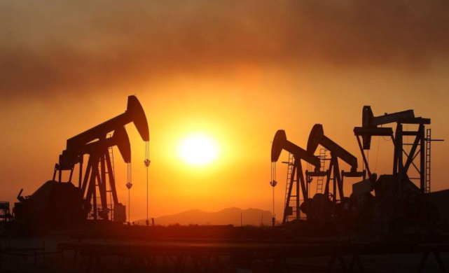 成品油价格调节窗口开启:由于已经跌破地板价,维持5元时代不变