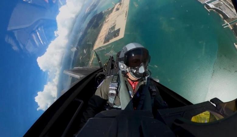 F-22大秀眼镜蛇和落叶飘,若正面对抗,3架歼20打不过1架F-22?