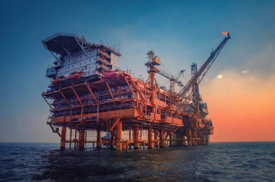 分析人士预测,生产商可能会被迫付钱以摆脱石油
