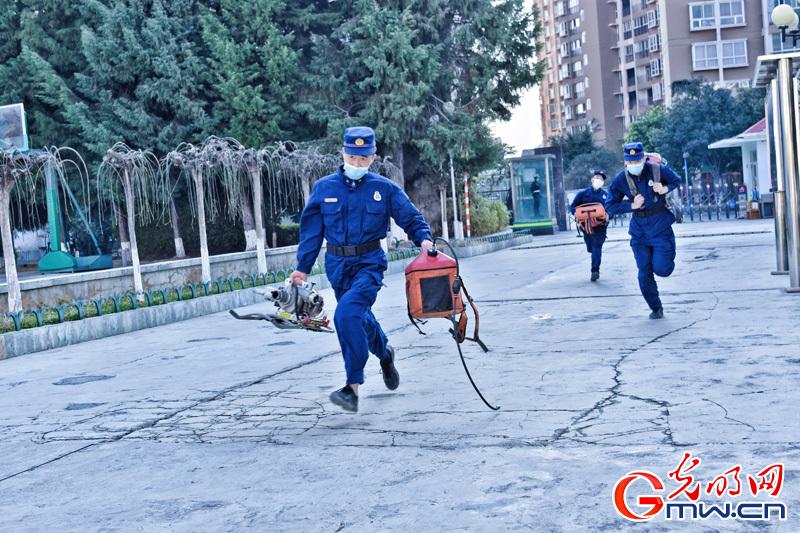 组图丨多地森林消防队伍练兵备战春防