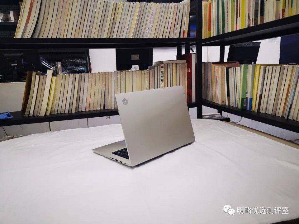 罗明首选评估室:最新机械革命S2配备MX350显卡