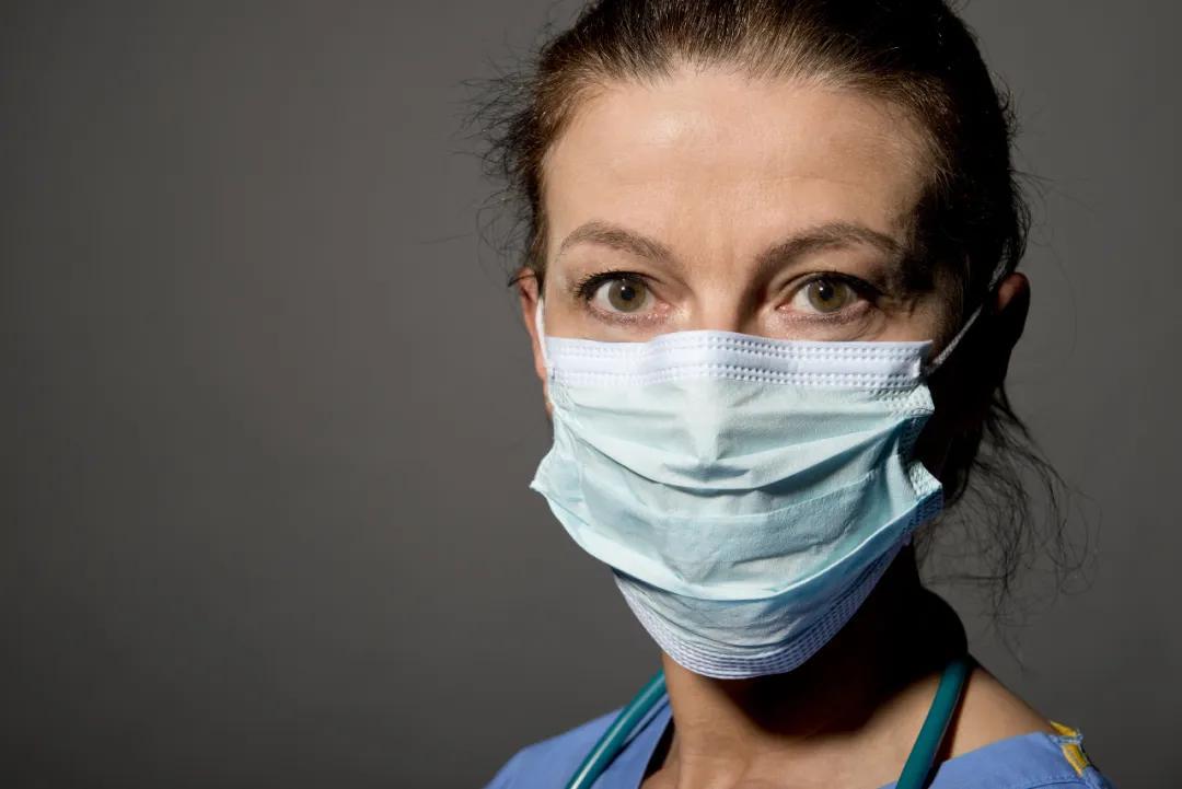 美国多家医院威胁员工:敢对外说没口罩就开除!