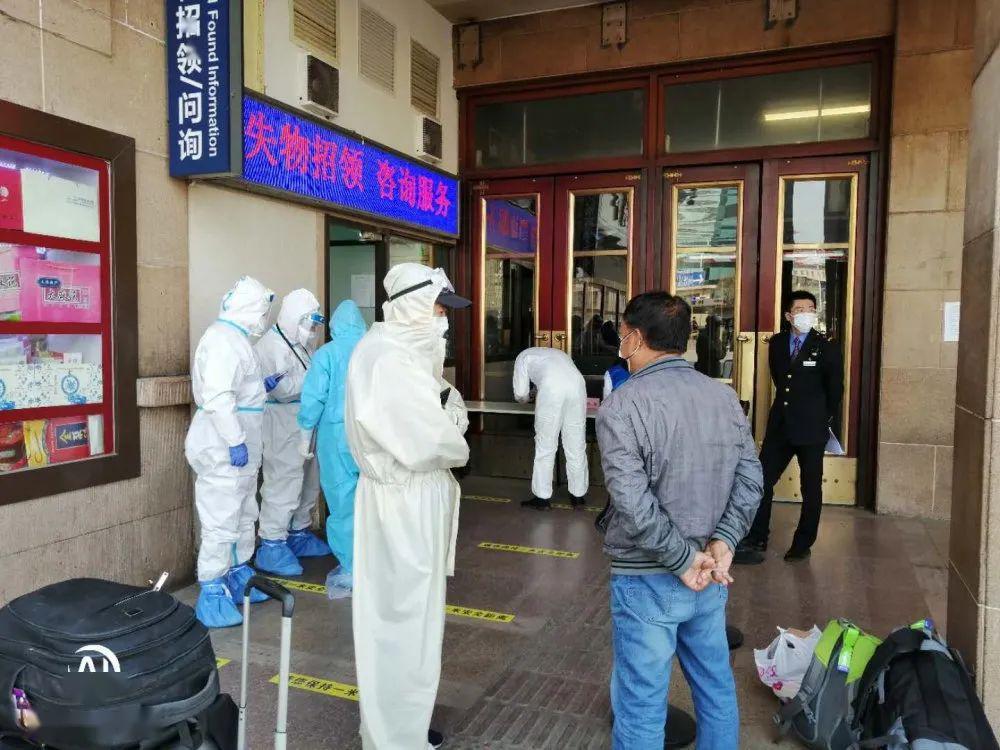 """【战疫先锋】北京机场的""""搬运工"""",他们一直在路上!"""