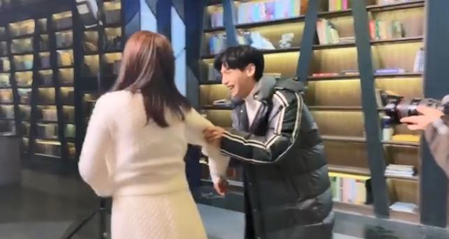 白鹿公主抱完罗云熙,男方却突然说出一句话,导演瞬间脸都变了