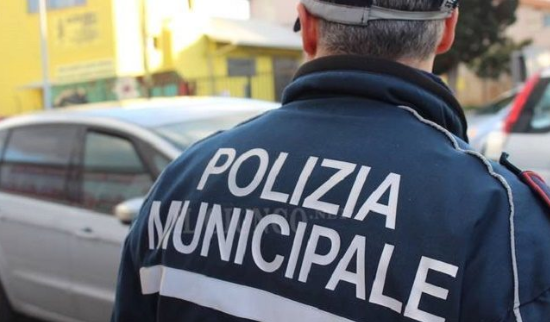意大利小地方的歧视:华人加班做口罩,反被警察冤枉_中欧新闻_欧洲中文网