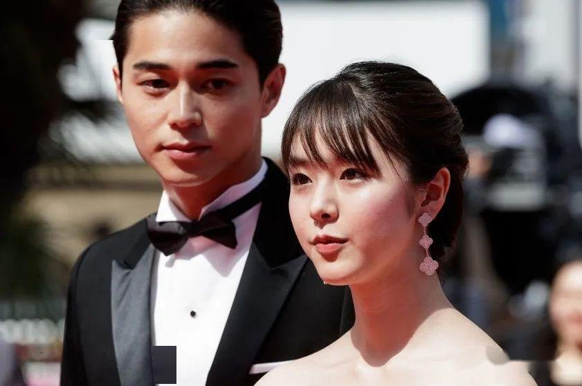 日本女演员邢出轨了,老公表示对她的情妇有更多的爱……她决定离