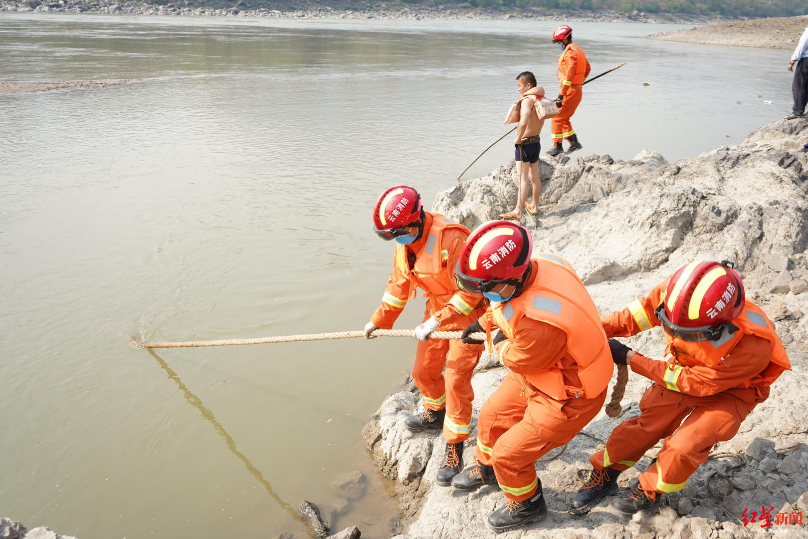 云南16岁少年怒江营救溺水同伴不幸遇难