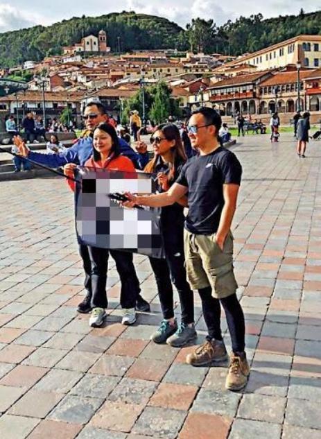 乱港分子向中国大使馆求助 网友:唱800遍国歌!