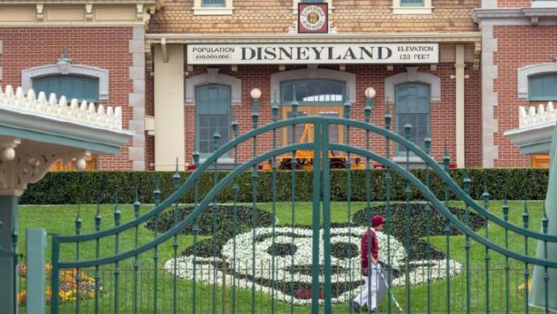 迪士尼公司向纽约等地的医院捐赠10万枚N95口罩