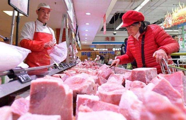 """重庆:猪肉价格""""降温"""" 每斤下降5-7元"""