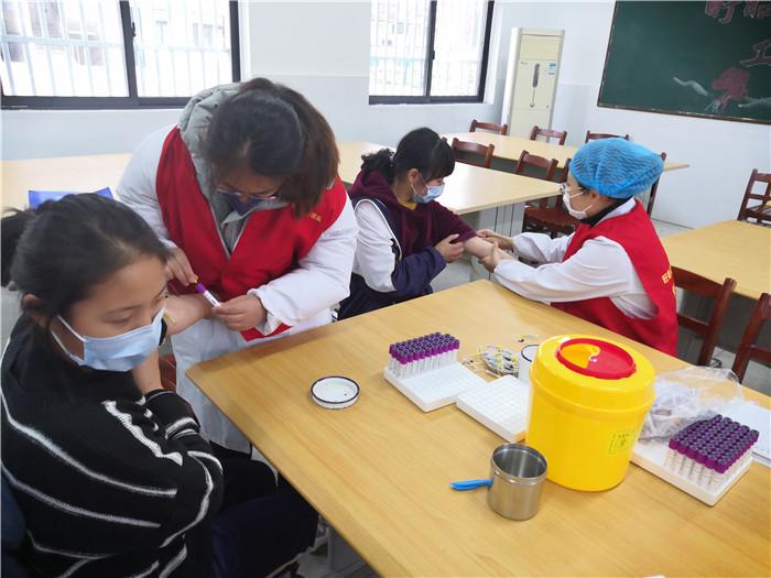 盱眙县淮河卫生院医护志愿者积极  助力复学复课