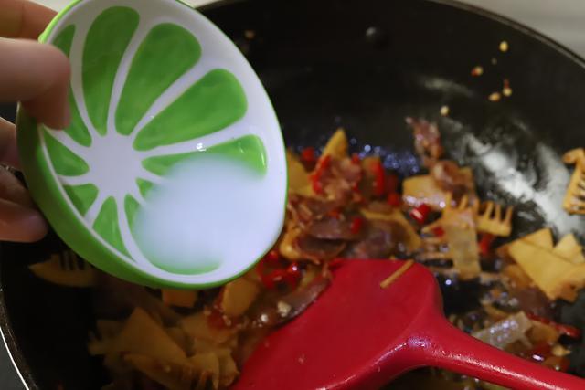 春笋美味正当时,教您超好吃的家常做法,不涩口,鲜香下饭