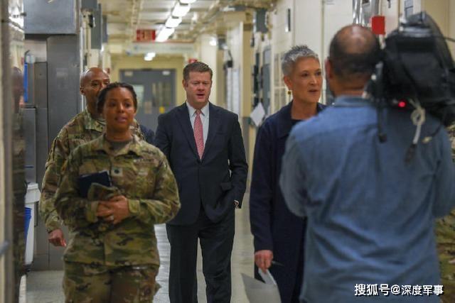 权威专家揭示病毒源头:美陆军部长赶赴生化实验室,检查泄露情况