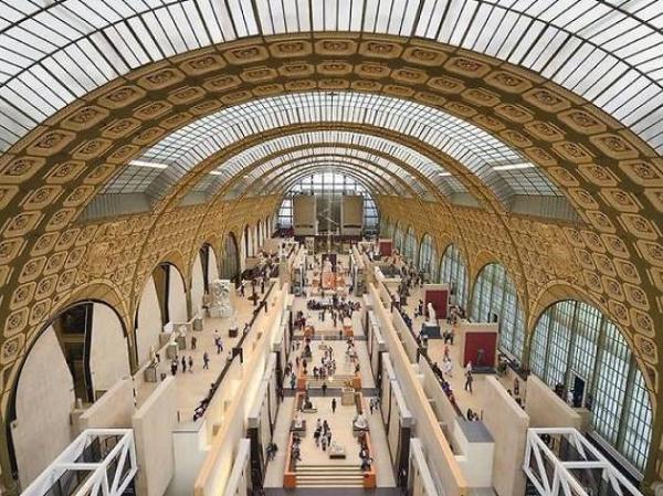 """""""坐在沙发上""""的世界美术馆之旅:从伦勃朗看到博伊斯"""