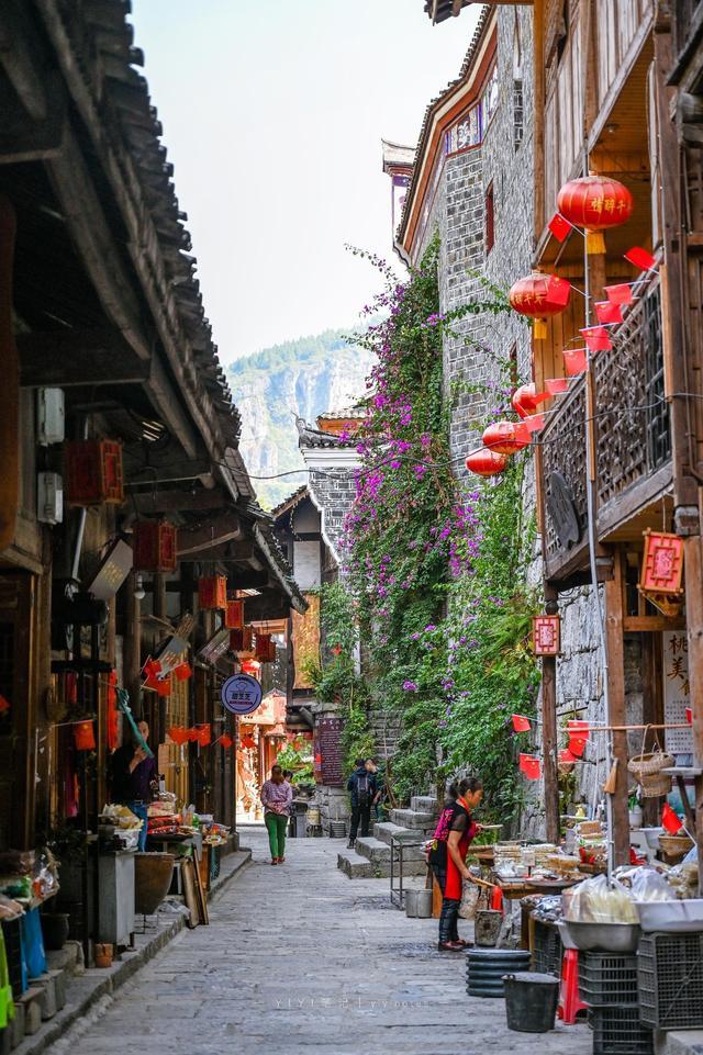 原创             重庆与贵州的交界处,藏着一座千年古镇,被誉为乌江的璀璨明珠