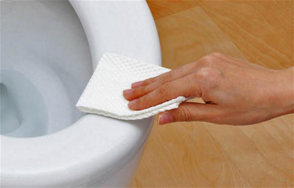 美国环保署发出警告:请不要把新冠病毒消毒湿巾扔进马桶