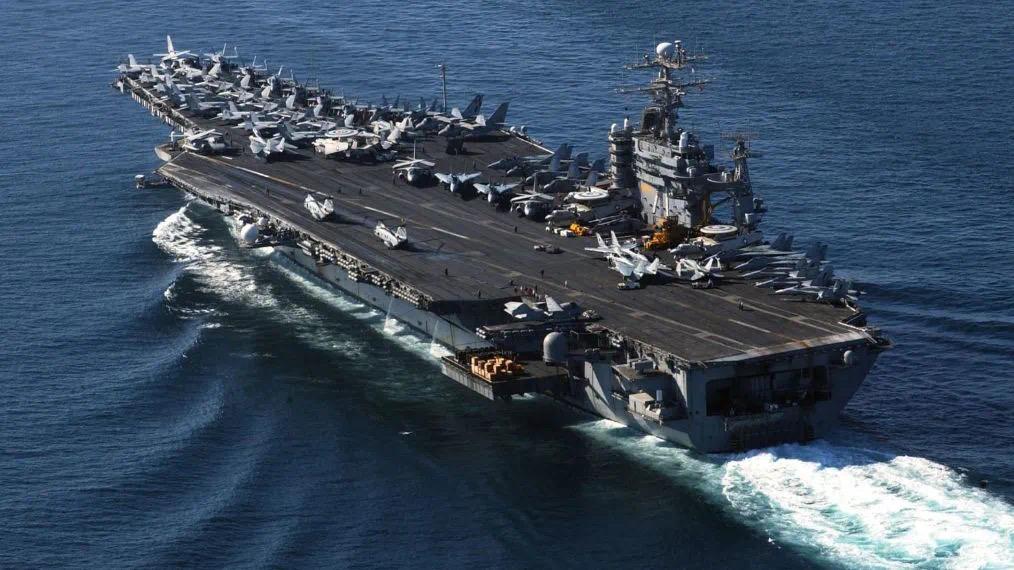 罗斯福号航母的舰长向海军方面紧急求救,如不转移隔离79%的人可能会被感染