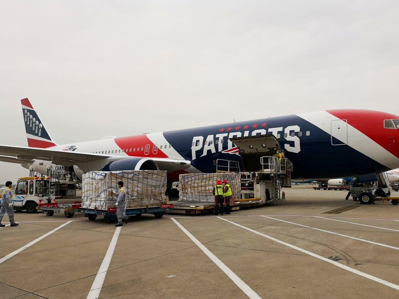 美州长从深圳买120万个N95,用橄榄球队飞机运回