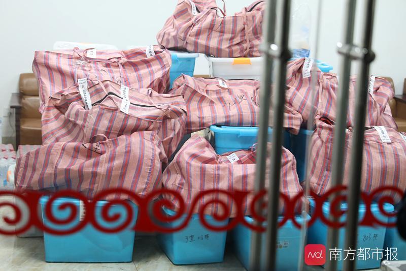 大火边缘被转移的西昌文物:多是孤品纸质品,已分类打包存于宾馆