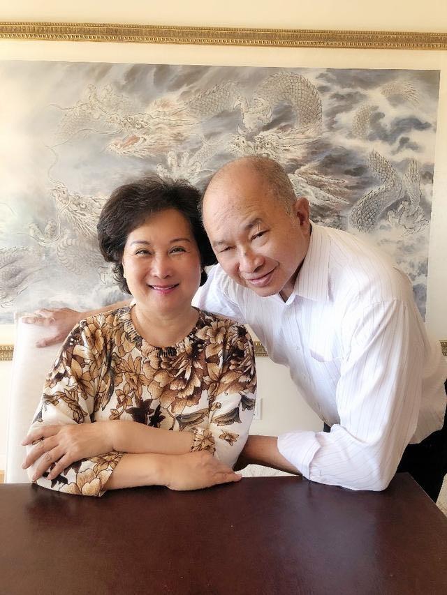 吴宇森爱妻患脑瘤,才庆祝结婚44周年,夫妻二人再抗病魔