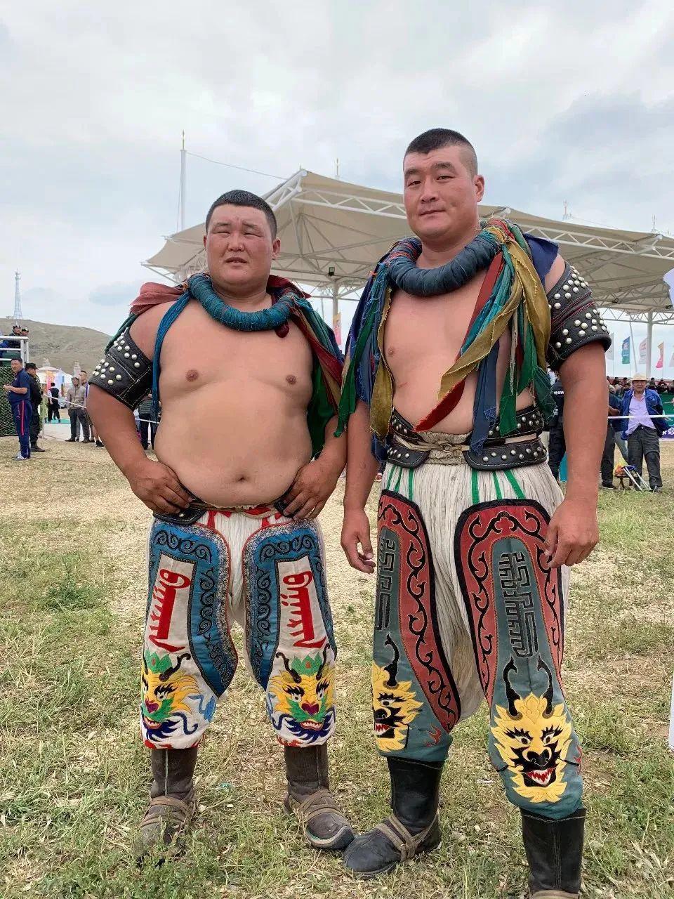 蒙古摔跤手