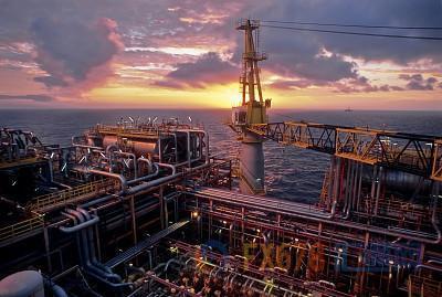 美国原油产量下降数百万桶/日板上钉钉?但石油巨头料完成行业整合,新一轮增产周期或开启