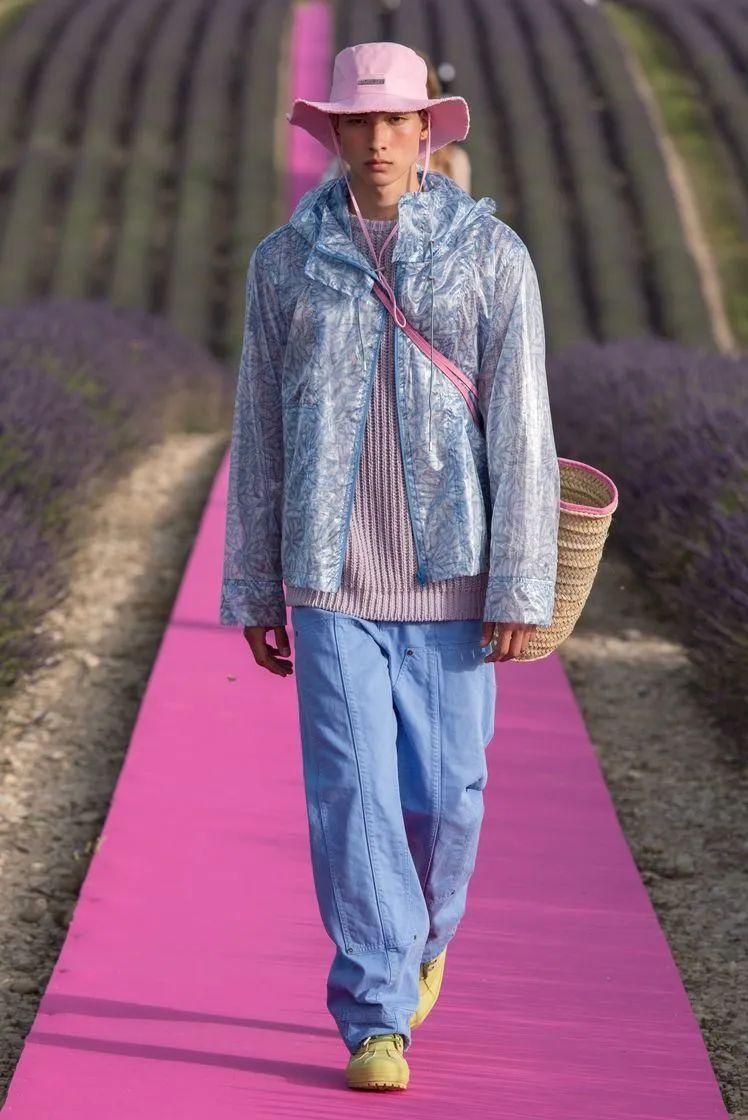 时尚圈又来骗钱了!今年最流行的包竟然长这样?| Style