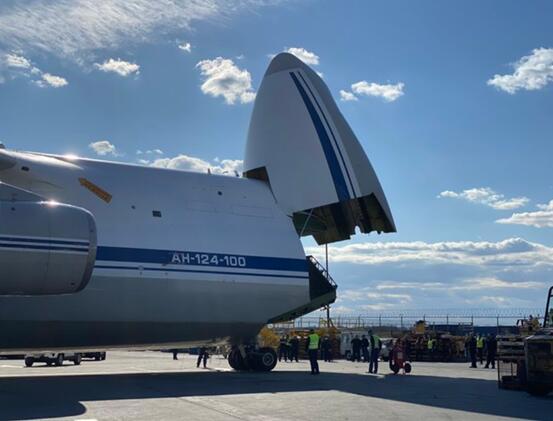 俄罗斯援美物资抵达纽约