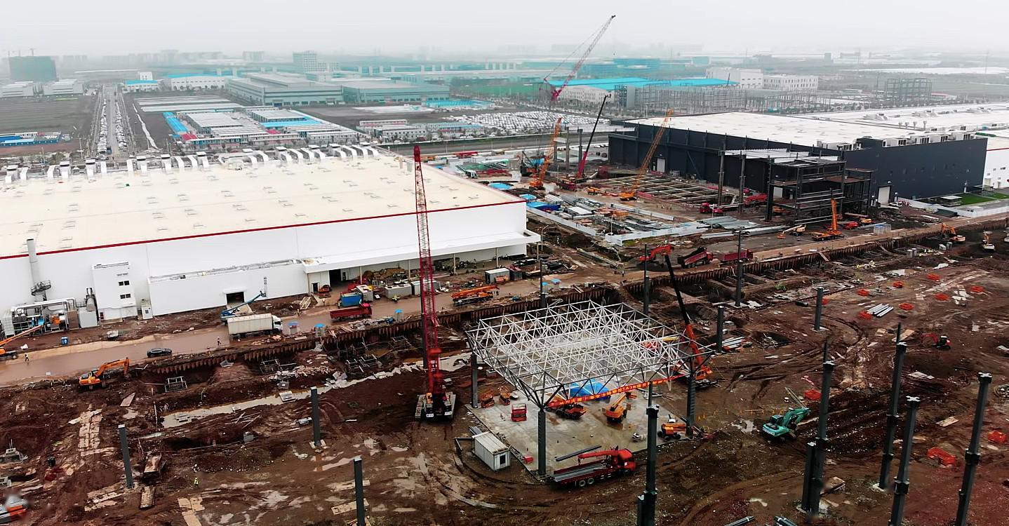 特斯拉一季度销量预计环比降三成,上海工厂成救命稻草?