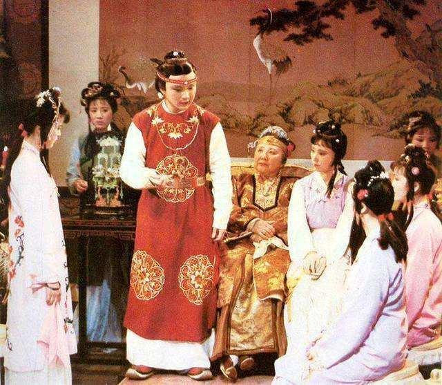 贾敏死后,林如海为何安排贾雨村继续做黛玉的老师?原来大有深意