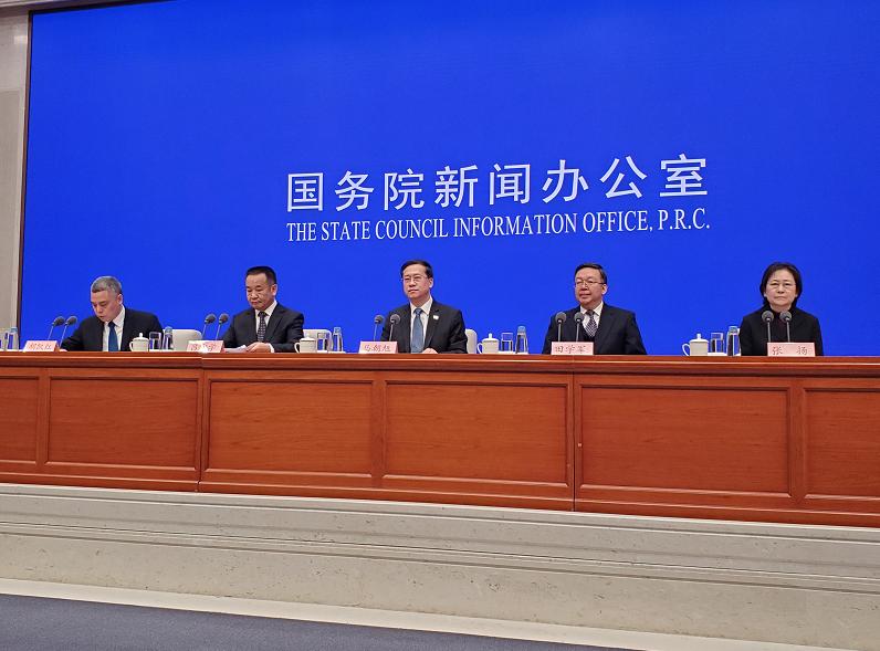 9架次包机接回中国公民1457人 从伊朗、意大利等国