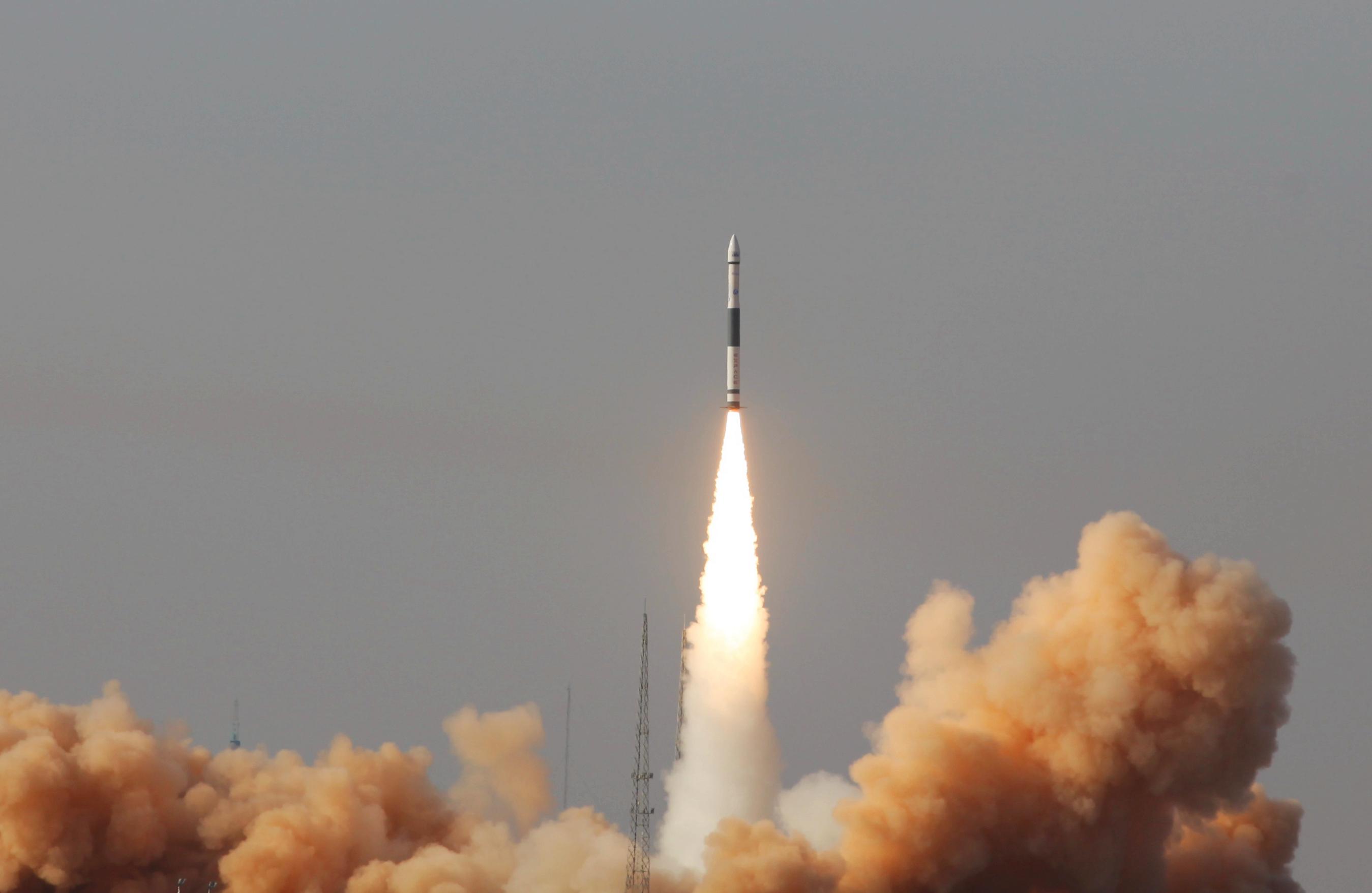 淘宝直播打开新经济的想象力:4000万元的火箭,也秒空!