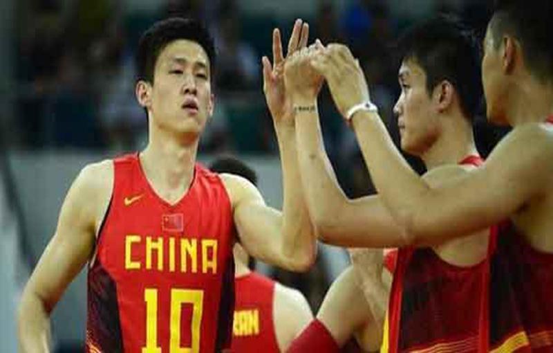 """中国男篮打造""""全新""""锋线组合"""