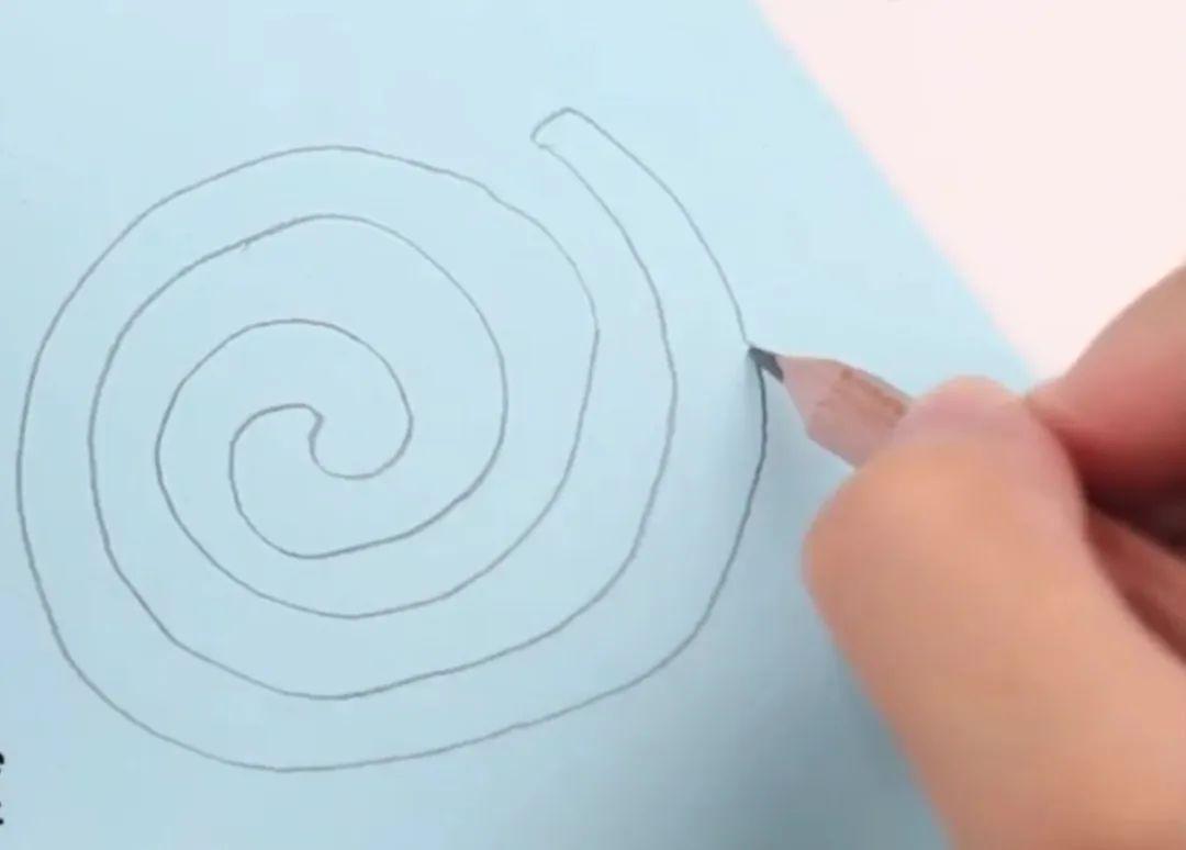 旋转的纸蛇原理_旋转纸条蛇