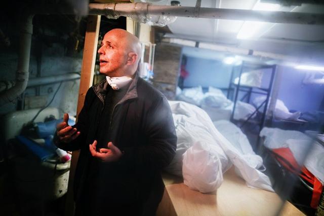 死亡超6000人,美国殡葬业面临崩溃,冷藏车坐地起价,1月租金4万