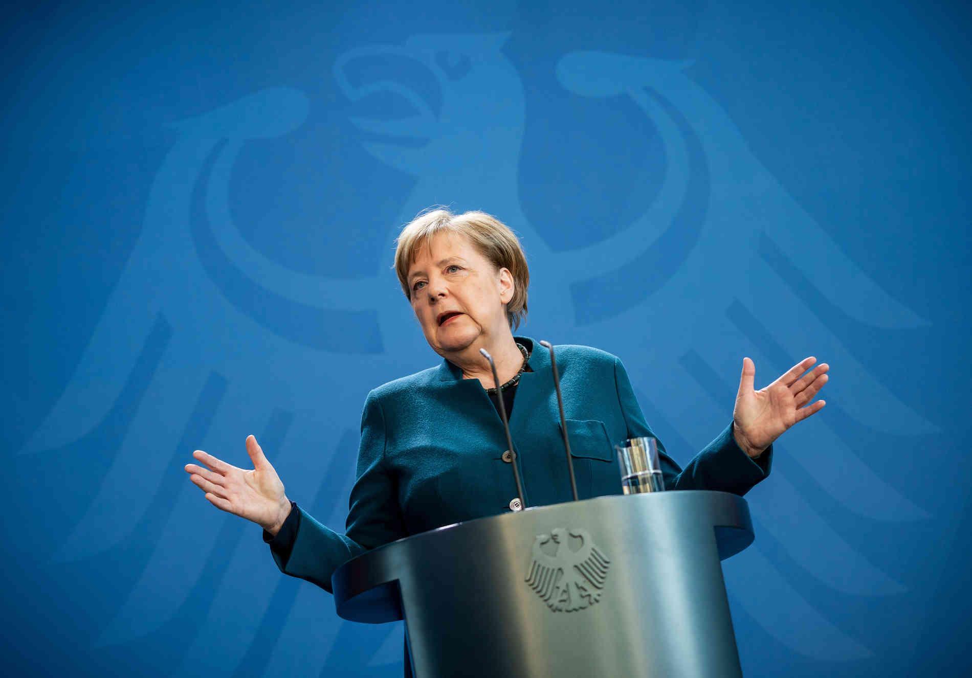 """确诊超8万,欧洲这个""""抗疫优等生""""终于建议民众戴口罩了"""