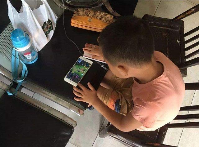 """育儿-孩子不学习只想玩耍?先别急,试试""""霍雷马克原理"""",比打骂管用"""