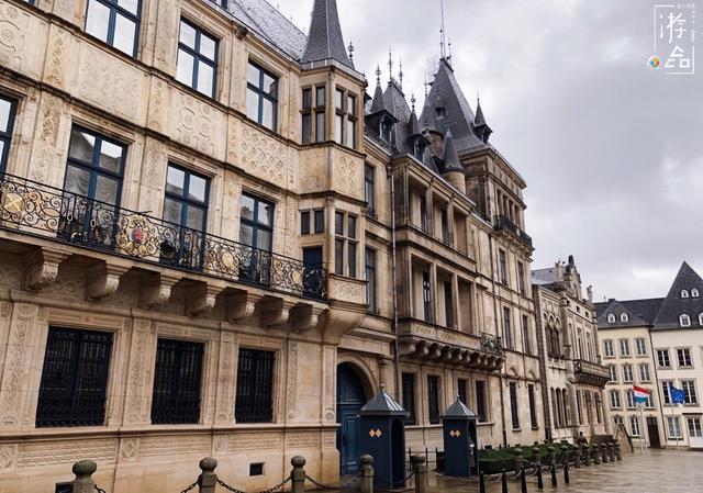 卢森堡人均gdp为什么这么革_卢森堡成首个公共交通免费的国家卢森堡人均gdp是多少?卢森堡为什...