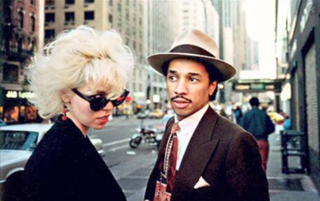 美国又一80年代流行乐巨星因新冠肺炎去世 享年61岁
