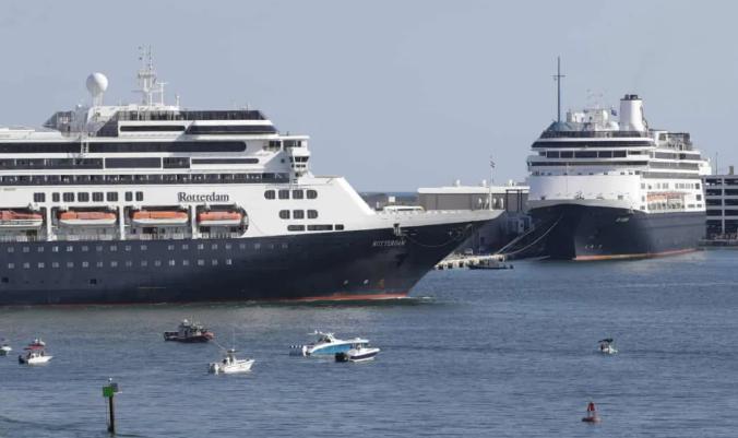 """女子""""出国避避""""被困邮轮,发热咳嗽!船上已死4人,曾被11国拒绝靠岸"""
