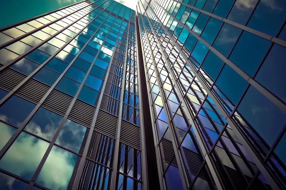 央行周五定向降准,降准四千亿将会怎么影响房地产市场的发展?